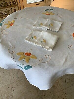 Vintage Small Square Linen Tablecloth & Napkins - Embroidered and Appliqued