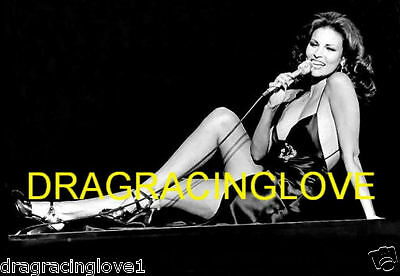 """Gorgeous Actress/Sex Symbol """"Raquel Welch"""" SEXY """"Singing"""" """"Pin-Up"""" PHOTO!"""