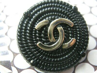 Chanel 1 pretty gold cc buttons BLACK   23mm lot of 1 good condition