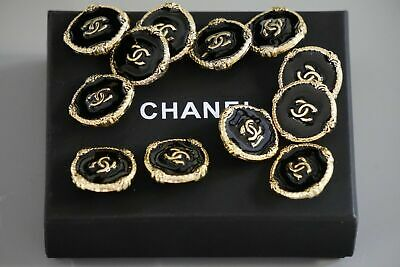 CHANEL BUTTONS  🖤 Large 1 inch 24 mm Logo CC lot of 2  Brooch metal💛