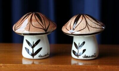 Retro Ceramic Souvenir Salt & Pepper Shakers Mushroom Shaped From Hawaii