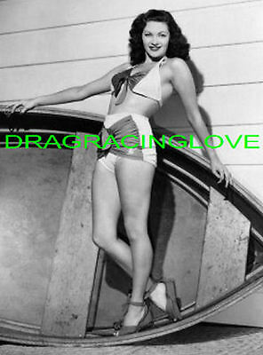 """Yvonne De Carlo """"The Munsters"""" """"Busty"""" """"Lily"""" 60s TV Show """"Pin Up"""" PHOTO! #(8)"""