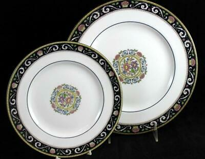 Wedgwood RUNNYMEDE BLUE Dinner Plate + Salad plate W4472 GREAT CONDITION