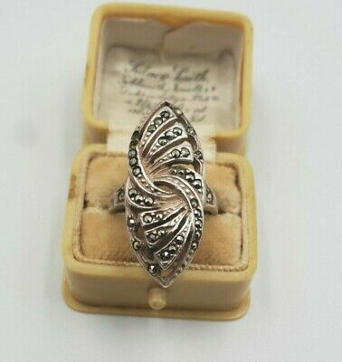 Beautiful vintage Art Deco Style Solid Silver & Markasite Ring Size K1/2