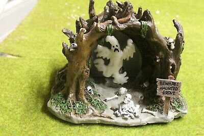 Lemax Spooky Town Table Accent Haunted Grove Animated & Lighted Very Neat Rare