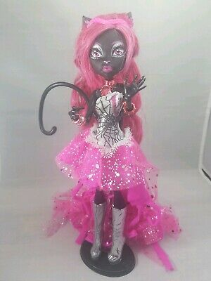 Monster High Catty Noir Doll 13 Wishes Mattel Original Outfit Jewelry and Tail