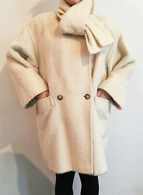 Comfy Fuzzy, Cuddly Warm White Max Mara  3/4 Coat Vintage  Fits Small To Medium