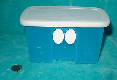 TUPPERWARE FRIDGE SMART Mini 3x6  1-1/2 Cup Storage Container sheer Blue  4735A