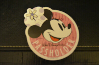 WDW Disney: Annual Passholder Minnie Mouse Magnet (2019 Food & Wine Festival)