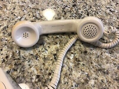 Vintage working Bell System Western Electric 500DM Rotary Telephone Phone Beige