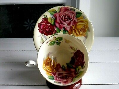 Stunning Three Cabbage Roses Aynsley Tea Cup And Saucer