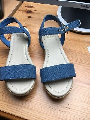 Young Dimension Size 4 Denim Wedge Girls Sandals Shoes