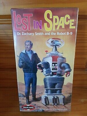 Lost In Space Dr Smith And Robot B-9 Model Kit Nib