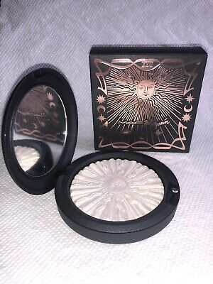 "MAC x PONY PARK ""SKY'S THE LIMIT"" Extra Dimension Skinfinish Highlighter"