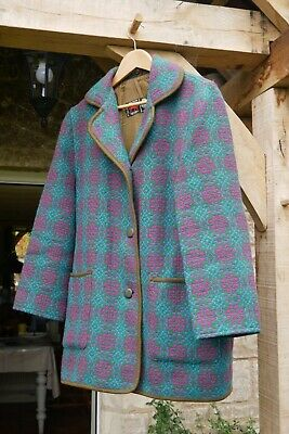 Welsh Tapestry women's vintage mid length pure wool coat. Size Medium