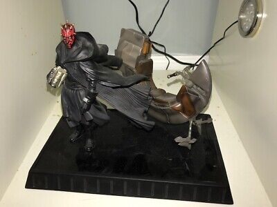 Star Wars - Darth Maul With Bloodfin Statue- Gentle Giant Ltd