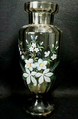 Lovely obtically ribbed hand blown Victorian art glass decorated vase c.1880's