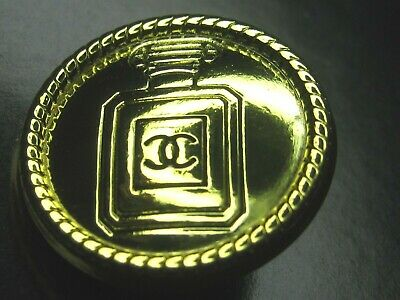 💋💋💋💋Chanel 2 cc buttons gold 20mm lot of 2 good condition💋💋💋💋