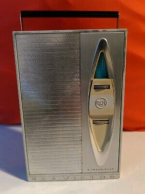 Vintage 1960s RCA Victor Transistor Radio Model 4RG51 with case