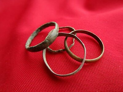Ancient Roman wedding ring's Lot with 4 pieces . bronze . No.14