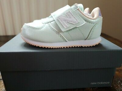 New Balance Children Girls Glitter Trainers In Mint Size Infant 7. Used Once