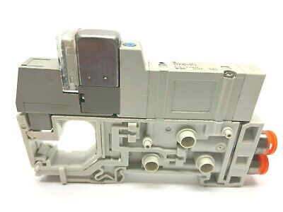 SMC SY3140-5FU 2-Position Solenoid Valve With Manifold Connect