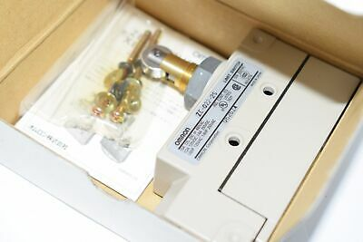 NEW Omron ZE-Q22-2S Limit Switch ROLLER PLUNGER SPDT