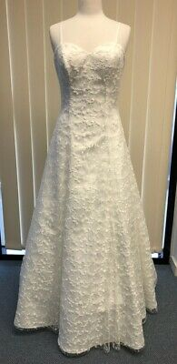 Ivory Lace Wedding Dress A Line Trainless Size 12 Low Back Straps