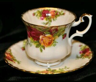 Royal Albert Old Country Roses Tea coffee small Cups & Saucers Bone China