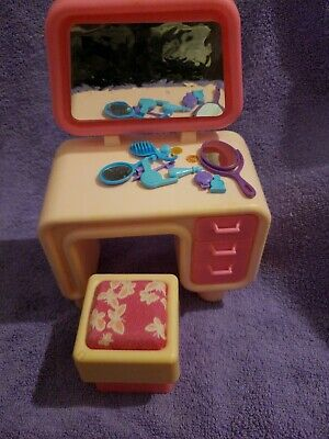 Vintage 1977 Barbie Pink Dream House Furniture Vanity & Stool With Accessories