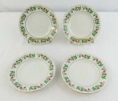 """Gibson Everyday Christmas """"Holly & Berry"""" Set Of 4 Bread and Butter Plates"""