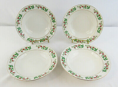 """Gibson Everyday Christmas """"Holly & Berry"""" Set Of 4 Pasta / Salad Bowls"""
