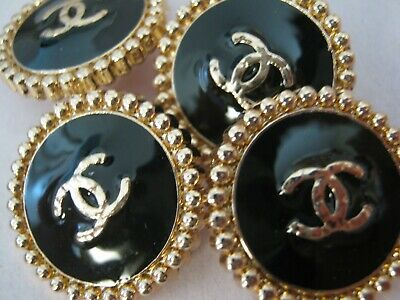 Chanel  cc buttons BLACK GOLD  18mm lot of 4 good condition