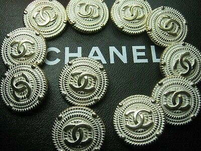 💋💋💋💋💋  Chanel 9 cc buttons  WHITE GOLD metal 25mm lot of 9 good condition