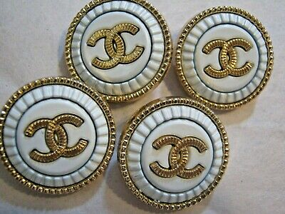 💋💋💋💋💋 Chanel cc buttons matte gold white 22mm lot of 4 good condition
