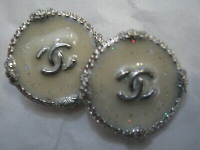 Chanel A SET OF 2 buttons  25mm lot of 2 SILVER CC
