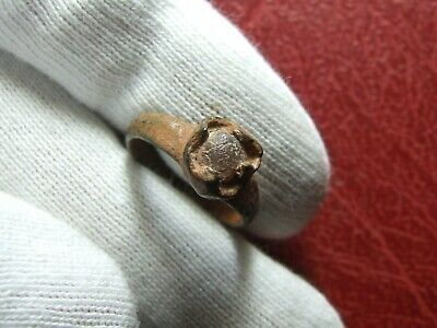 Old antique bronze Roman Greek or ? ring with stone to identify