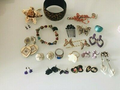 Large lot of old fashion jewellery earrings, bangle ring + colour vintage style