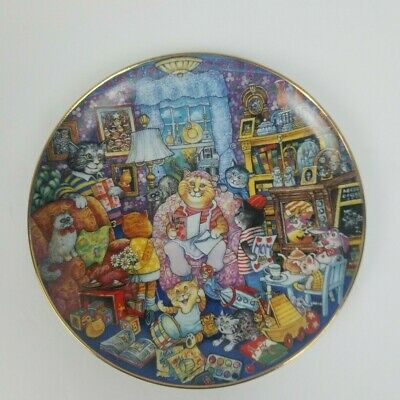 """Porcelain Gallery Bill Bell 8"""" Collector Plate Holy Cat Mom  D1022"""