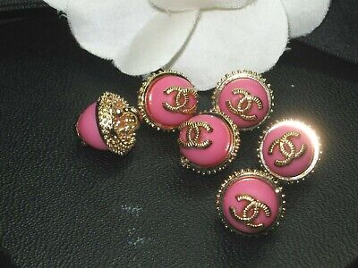 💋💋💋💋💋 Chanel 10 small buttons  13mm lot of 10 neon pink gold CC