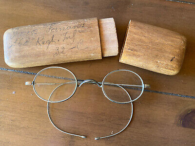 specticles glasses old french army wooden case WW1?