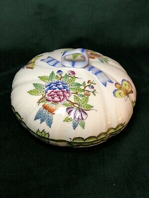 Herend Queen Victoria Porcelain Lidded Candy Dish # 6026