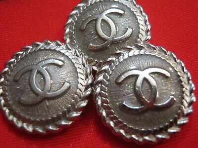 💋💋💋💋💋 Chanel 1 cc buttons silver  21mm lot of 1 good condition💋💋💋💋💋