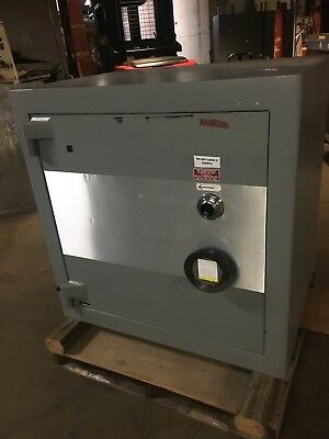 Mosler Tl-30 High Security 2 Hr Fire Safe Tool Resistant W/Shelves Very Clean Hd