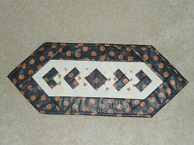 Handmade Quilt table runner, Longaberger Boo, Pumpkins, Halloween Jack-O-Lantern