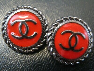 Chanel 2  cc logo RED DARK SILVER buttons  16mm gold cc good condition lot 2