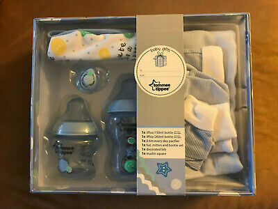 TOMMEE TIPPEE Closer to Nature Gift Set Blue Bottles Set Soother Hat Milts baby