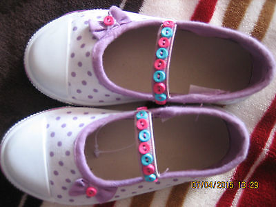 Infants/ Toddlers Girls Canvas Pump Customised Buttons Size UK 6 White Lilac Dot