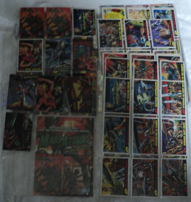 Mars Attacks Topps 1994 Complete Set with chase cards, plus comics