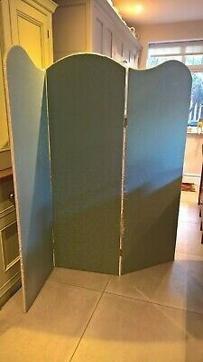 Vintage room divider / 3 section screen - William Morris fabric